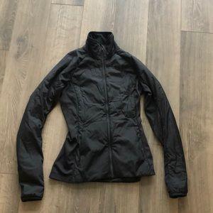 Lululemon Run For Cold jacket size 4